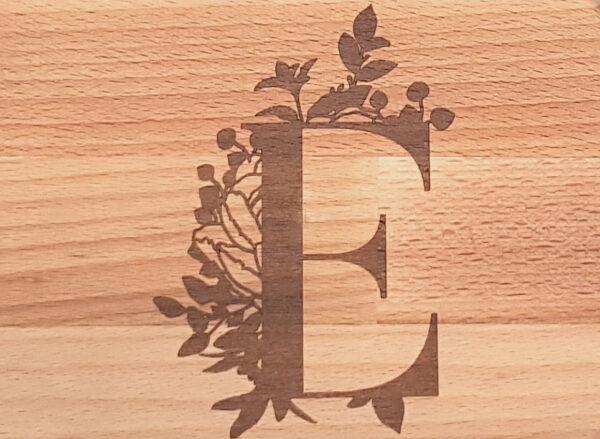 Schneidebrett 30x15 Monogramm Buchstabe mit Blüten